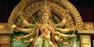 दुर्गा मूर्ती घडविताना वापरली जाते वेश्यागृहातील माती