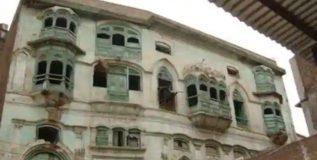 राज कपूर यांच्या घराजवळील इमारत पाडण्यावरून पाकिस्तानातील दोन खात्यांमध्ये भांडण