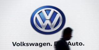 प्रदूषण प्रकरणी हरित लवादाकडून जर्मन कार कंपनी फॉक्सवॅगनवर १०० कोटींचा दंड