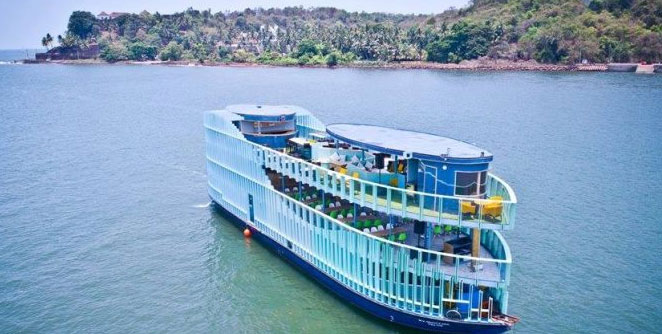 floating-nightclub-in-goa