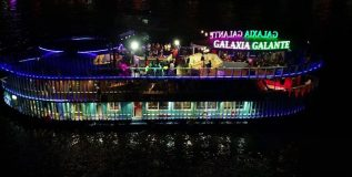 floating-nightclub-in-goa1