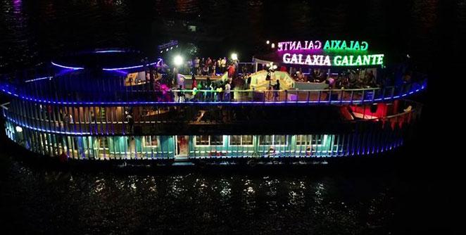 floating-nightclub-in-goa1