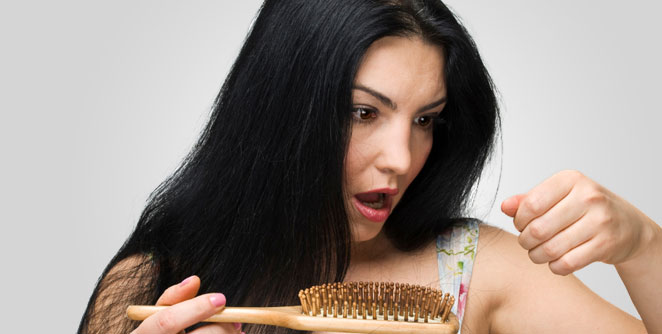 केस का गळतात ?