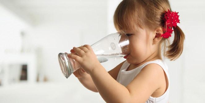 महागड्या पेयांपेक्षा शुद्ध पाणी प्या