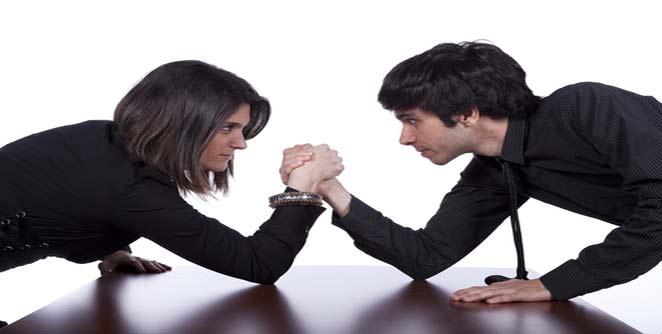 पुरुष मंडळीनो, महिलांची अक्कल काढताना विचार करा